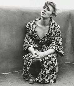 "vezzipuss.tumblr.com — David Bowie, Offset, ""TMWFTE"", Circa 76"