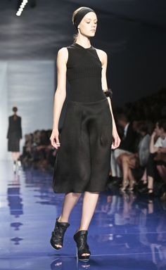 Vera Wang Spring 2014, Vera Wang, New York Fashion, Runway, Business, Inspiration, Clothes, Shoes, Dresses