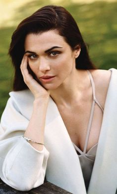 Rachel Weisz: Prime Time - Vogue UK by Alasdair McLellan, July 2012 Rachel Weisz, Daniel Craig, Westminster, Gorgeous Women, Beautiful People, Amazing People, Pretty People, Vogue Uk, Vogue China