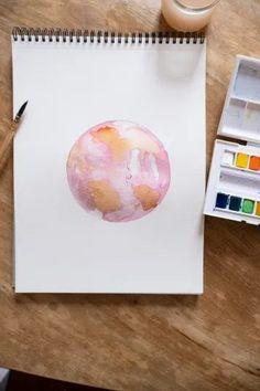 Inspiration pour aquarelle : dessiner une lune en utilisant des formes abstraites #aquarelle #watercolor #inspiration
