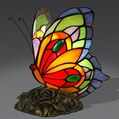 Lampada stile Tiffany da Comodino Farfalla Stained Glass Light, Stained Glass Paint, Stained Glass Birds, Stained Glass Designs, Stained Glass Patterns, Butterfly Lamp, Butterfly Wallpaper, Butterflies, Jars