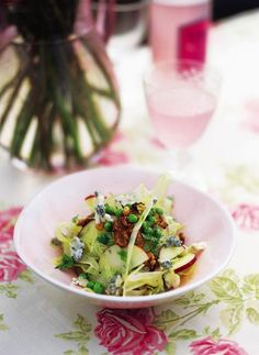 Summer crunch salad with walnuts and Gorgonzola