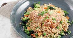 Sesamlax med egg fried rice