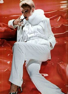 Christian Dior, L'Officiel magazine 1977