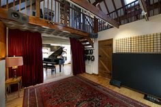 The main live room has a tall ceiling which reaches right up to the top of the barn, this openness has led to sensational drum and vocal recordings within the space