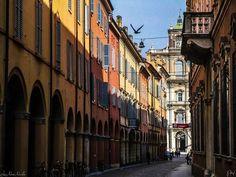 Via Farini a Modena.  #loves_modena #vivomodena  #modena_dintorni  #likes_emiliaromagna #total_italy #volgomodena #vivoemiliaromagna #turismoer #mo_hospitality  #ig_emilia_romagna #ig_emiliaromagna #ig_modena #emiliaromagna_friends #emiliaromagna_super_pics#italia_da_scoprire #loves_united_emiliaromagna #loves_emiliaromagna #visititalia #italian_city #top_italia_photo #bestemiliaromagnapics #perlestradedimodena  #cittadimodena #bestitaliapics #igersmodena #grandangoloinstapage…