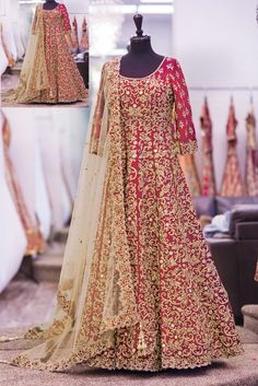 Red-Brown Emboridery Lenhanga with Net Dupatta   Dertaste Premium Lenhanga's Collection Description :  The elegant red-brown color royal Lahegha Choli is designed with a blend of exquisite quality fabricated choli & perfectly crafted emboridery works. When worn for the occasion on the cards , with its eye catchy features and flexibility will make you feel more comfortable and confident.Dertaste.com   To fall in line with your's requirement, Dertaste brings huge products' range and quali