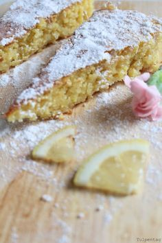 Spanischer Mandelkuchen mit Zitrone