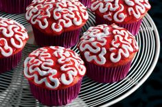 Red Velvet Brain Cakes - #spooky Halloween cupcake recipe