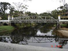 Ponte sobre o rio Nhundiaquara, Morretes,  Paraná, Brasil