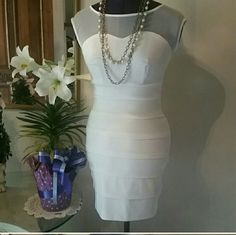 HP Light cream bodycon dress - Size S small Dress up for that special occasion  with this very light cream bodycon dress. Sweet Storm Dresses