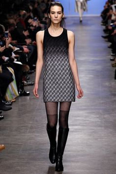 http://www.vogue.co.uk/fashion/autumn-winter-2013/ready-to-wear/missoni/full-length-photos/gallery/940697