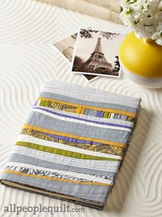 Piece & Play by Jean Wells. Fabrics are from the Kona Cotton Solids collection from @robertkaufman.