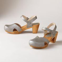 d3921b99660b8 38 Best Clogs images in 2017   Clog sandals, Clogs shoes, Beautiful ...