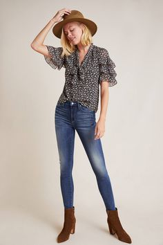 Skinny Jeans for Teens Not all skinny jeans are made equal. Some are classic jeans material, others stretchy. Not all skinny jeans fit each body… Only Fashion, Curvy Fashion, Teen Fashion, Fashion Trends, Boho Outfits, Classy Outfits, Fall Outfits, Casual Outfits, Skinny Fit