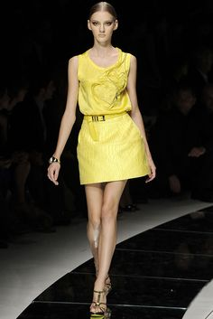 Versace Spring 2009 Ready-to-Wear - Collection - Gallery - Style.com