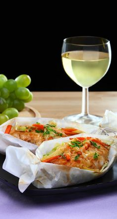 From SAGA's cookbook you will find the new flavors from around the world, as well as the best traditional dishes. Cooking and baking made easy with our tips. With SAGA you will always succeed! New Flavour, White Wine, Make It Simple, Alcoholic Drinks, Saga, Dishes, Chicken, Baking, Recipes
