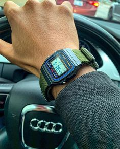 Retro Watches, Vintage Watches, Cool Watches, Watches For Men, Casio G-shock, Casio Watch, Casio Vintage Watch, Watch 24, Casio Edifice