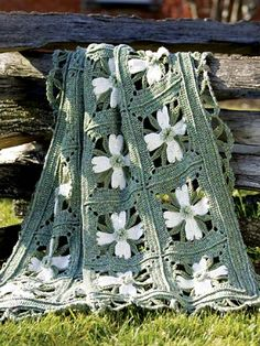 Free Crochet Patterns: Free Crochet Afghan Patterns/ this is the dogwood pattern Crochet Motifs, Crochet Quilt, Crochet Blocks, Crochet Squares, Crochet Home, Knit Or Crochet, Crochet Crafts, Crochet Blankets, Granny Squares