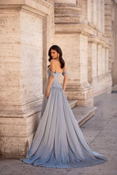 Bianca - Gunmetal Satin Off-Shoulder A-line Gown with Slit Classy Outfits, Pretty Outfits, White Off Shoulder Dress, Gown With Slit, White Gowns, Satin Gown, A Line Gown, Mermaid Gown, Types Of Dresses