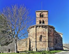 Vizcaínos de la Sierra, provincia de Burgos - Ábside Románico, iglesia de San Martín de Tours