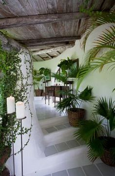 I'd like this for the entance from the earthship atrium into the foyer of the house.I wonder if this could be modified as an entrance from the main house to the greenhouse? Boho Glam Home, Earthship Home, Tadelakt, Natural Homes, Natural Building, Green Building, Earth Homes, Deco Design, Stairways