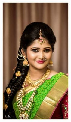 18 Best Maang Tikka Hairstyles For Your Wedding And Mehndi- indian hairstyles braid indian hairstyles daily Tikka Hairstyle, South Indian Hairstyle, South Indian Wedding Hairstyles, Saree Hairstyles, Simple Wedding Hairstyles, Bride Hairstyles, Indian Hairstyles, Hairstyle Wedding, Modern Hairstyles