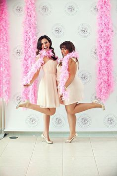 We all know brides-to-be can be divas at times, so why not just embrace it by treating her like the star she wants to be? When Jessica Masi of JCG Events was planning her sister's bridal shower, she did just that — come up with this movie-star-themed party. (Although in this case, her sister actually is an actress.) Without being cheesy, the gray, pink, and blue bridal shower incorporates a number of movie-themed details any celeb-obsessed bride would love. Plus, it's perfect for award season! Read on for how to throw your own Hollywood-ready bridal shower.