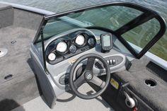 Pro Angler 162 XL console | Smoker Craft fishing boat