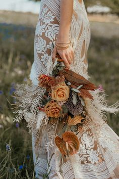 Boho Wedding Bouquet, Floral Wedding, Country Wedding Bouquets, Rustic Bouquet, Cheap Country Wedding, Country Wedding Groomsmen, Country Wedding Rings, Country Wedding Cakes, Boho Wedding Flowers