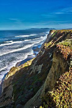 ✮ Coastal Cliff
