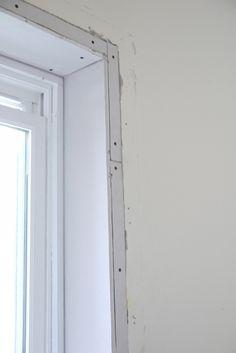 Removing window casing for trimless windows Casement Windows, Windows And Doors, Interior Window Trim, Window Frames, Window Sill, Window Casing, Wooden Windows, Starter Home, Wooden Bathroom