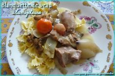 Blanquette de veau à la mijoteuse via @Isabelle Quelquesgrammesdegourmandise Stew, Potato Salad, Slow Cooker, Oatmeal, Meat, Chicken, Breakfast, Ethnic Recipes, Food