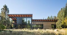Coates Design Architects recently completed this vacation house in Tumblecreek, Washington, for a family with lots of extended relatives. It was designed with entertaining in mind but was also intended to have a low impact on the environment.
