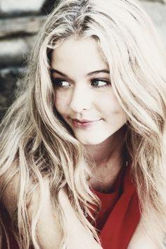 Pretty Little Liars- Sasha Pieterse <3