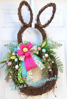 Spring Door Wreaths, Easter Wreaths, Spring Crafts, Holiday Crafts, Burlap Flower Wreaths, Diy Easter Decorations, Hoppy Easter, Wreath Crafts, Easter Crafts
