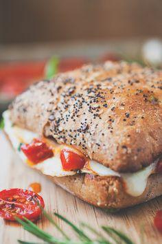 Mediterranean Egg White Breakfast Sandwich with Roasted Tomatoes #recipe #healthy #sandwich