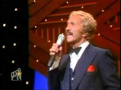 Marty Robbins - Some Memories Just Wont Die - 1982 Music City News Aw...