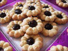 Ideas for Cookie Press: PB, Chocolate + Shortbread, Cream Cheese + Jam #summer