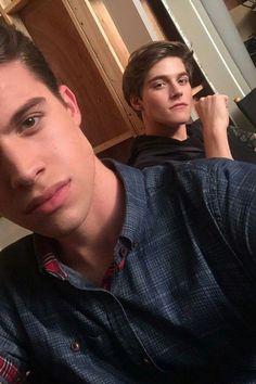 Andrew Matarazzo e Froy Gutierrez ( Reenviar Wolf 6TB )