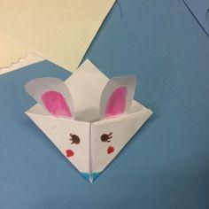 Durante el mes de mayo, los niños se dibujaron sus marcapáginas ratoniles o no. Thing 1, Mayo, Ice Tray, Silicone Molds, Container, Cards, Shells, Map, Playing Cards