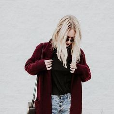 Baby it's cold outside so I'm gunna live in this coat until further notice. @thecrystalpress —Tag the link in bio to shop this outlook #dezzal #ootd