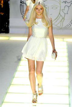 Versace Spring 2012 (Milan Fashion Week).