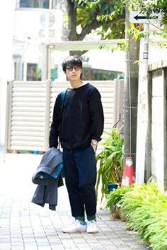Street Style of Tokyo: kolor Jacket/ MISTER HOLYWOOD Top/ kolor Pants/ NIKE SB | Fashionsnap.com