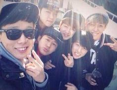 Team B selca vacationing on JeJu Island