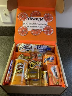 you glad finals week care package Orange you glad fina… Orange you glad finals week care package Orange you glad fina. -Orange you glad finals week care package Orange you glad fina. Diy Best Friend Gifts, Cute Gifts For Friends, Bf Gifts, Birthday Gifts For Best Friend, Presents For Best Friends, Themed Gift Baskets, Birthday Gift Baskets, Theme Baskets, Halloween Gift Baskets