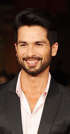 Shahid's rise to stardom reads like a bollywood script: from a struggler to a winner. With his hard work, perseverance and sincerity, he has written his own destiny. Shahid is a mine of unabashed talent and spark, beneath his Bollywood Photos, Bollywood Songs, Bollywood Actors, Bollywood Celebrities, Mira Rajput, Portrait Photography Men, Shahid Kapoor, Cute Actors, Action Film
