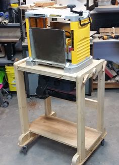 Saving space with a flip/flop stand. Stand is build with reduced to 1 x and mortise and tenon joints. Table top is held in place with bolt into threaded inserts. Pivots well and rolls on castors Mortise And Tenon, Plywood, Flipping, Woodworking Projects, Cart, Workshop, Rolls, Space, Studio