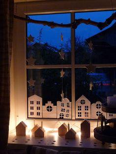 sch ne idee um ein fenster weihnachten zu gestalten doko pinterest einrichten wohnen. Black Bedroom Furniture Sets. Home Design Ideas