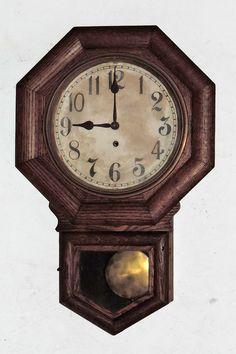 ANTIQUE GILBERT ADMIRAL SCHOOLHOUSE OCTAGON 8DAY REGULATOR WALL CLOCK RUNS #3062